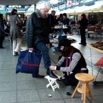 Comedy Schuhputzerin WalkingAct 10